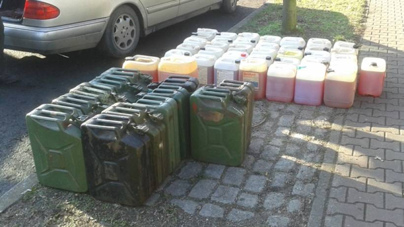 76-Jähriger transportiert 630 Liter Heizöl mit seinem PKW