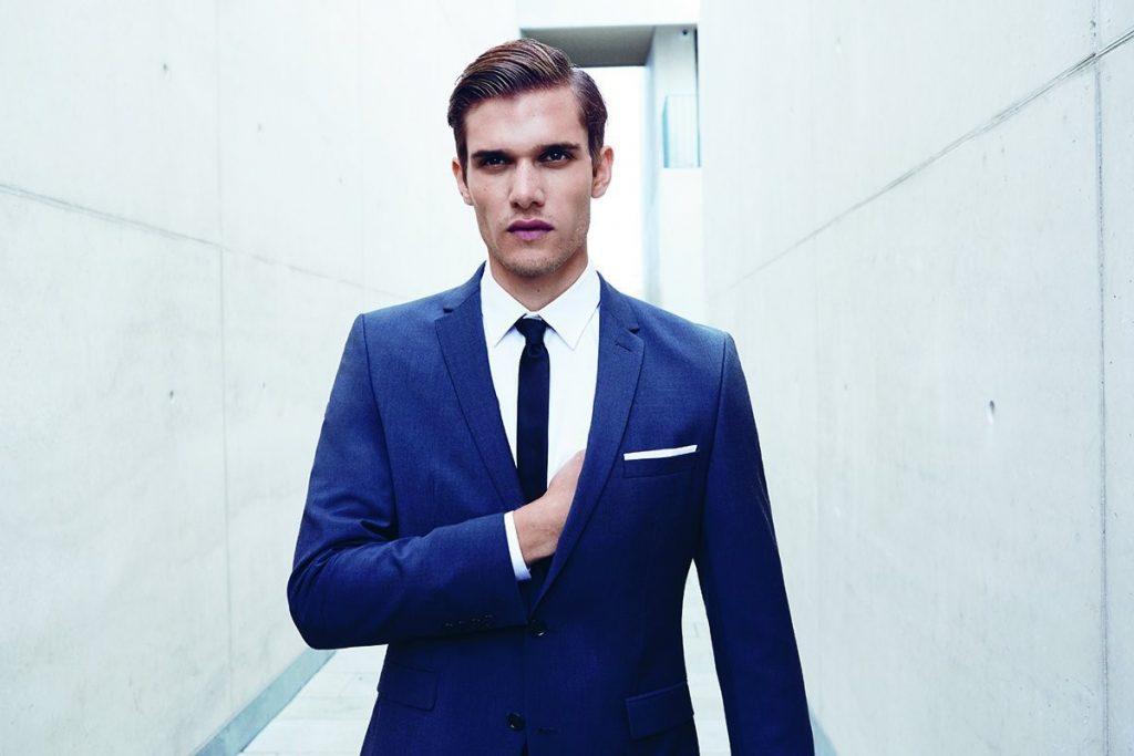 27 Regeln für das Tragen eines Anzugs, die jeder Mann kennen sollte
