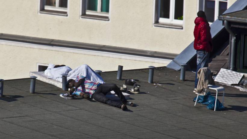 Besetzung des Hosteldaches beendet – Gürtelstraße wieder frei