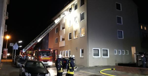 Feuerwehrleute finden Toten nach Wohnungsbrand