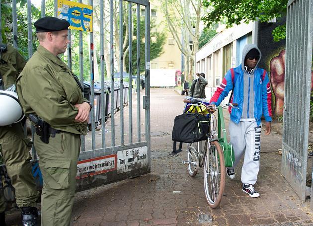 Gerhart-Hauptmann-Schule: Polizei droht mit Abzug