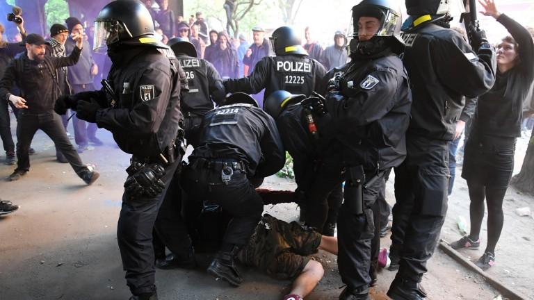 Hertha BSC vs. 1. FC Union: 7 verletzte Polizisten, 19 Festnahmen