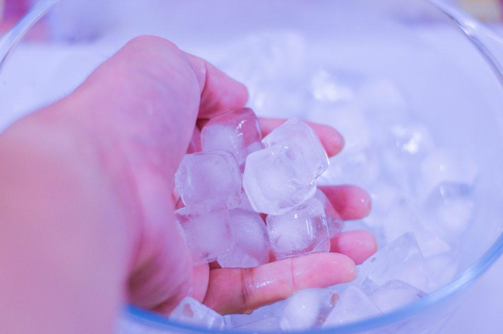 Die besten Tipps zum Eiswürfel herstellen