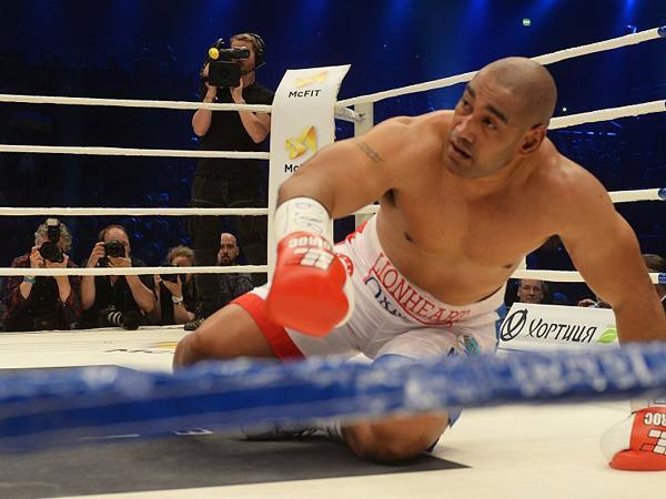 K.o.-Sieg: Klitschko schickt Leapai auf die Bretter – Quotensieg für RTL