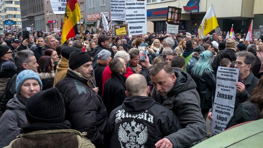 Liebknecht-Luxemburg-Kundgebung – Rangelei mit Gegendemonstranten