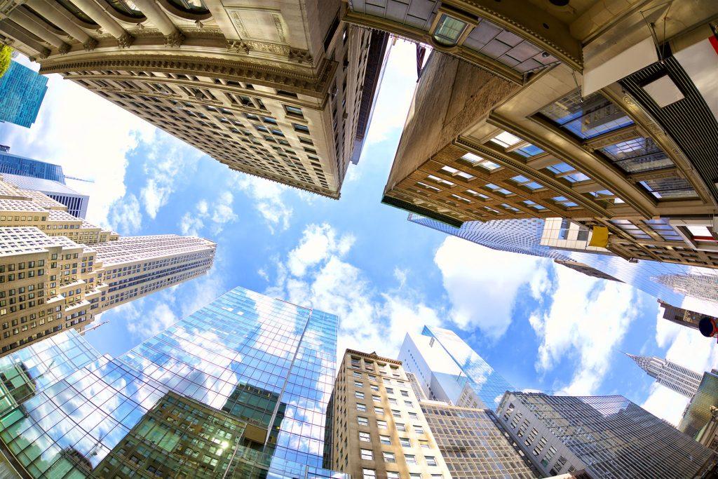 Lernen Sie die Vor- und Nachteile von Immobilien Crowdfunding