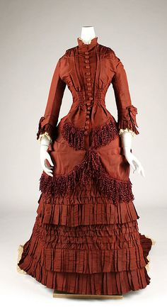 Modetrends um 1800 – Ein Blick in den Kleiderschrank einer Königin