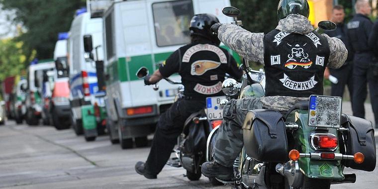 Polizei beschlagnahmt Motorrad – Rocker muss zu Fuß nach Hause gehen