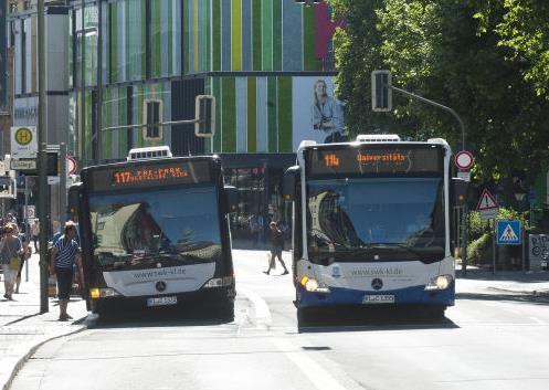 Schwarzfahrer schlagen Busfahrer