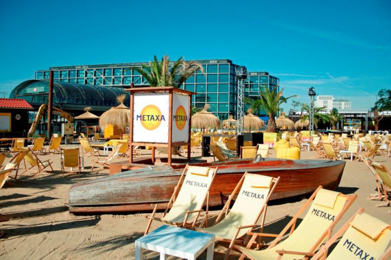 Strandbar: METAXA BAY