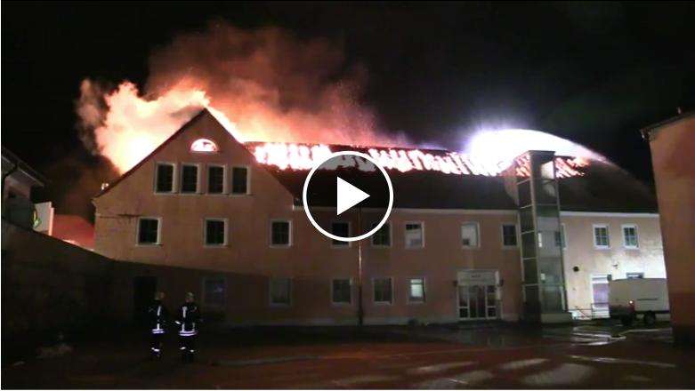 Unbekannte warfen Sprengkörper in Asylbewerberheim in Hellersdorf